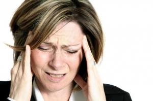 При использовании НПВП был отмечен рост вероятности возникновения побочных эффектов: расстройства желудка, головной боли и сонливости. (кликните картинку для увеличения)
