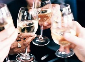 Спиртные напитки – это то, чем ни в коем случае не следует злоупотреблять. (кликните картинку для увеличения)