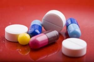 Лекарственные препараты способны оказывать негативное влияние на состояние здоровья. Именно по этой причине не следует принимать какие-либо лекарства без разрешения врача. (кликните картинку для увеличения)
