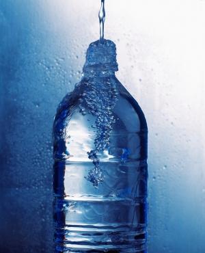 Вода – химическое вещество в виде прозрачной жидкости, которая при нормальных условиях не имеет ни запаха, ни вкуса. (кликните картинку для увеличения)