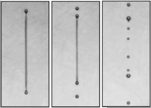 Первоначально единый поток жидкости разбивается на отдельные капли. (кликните картинку для увеличения)