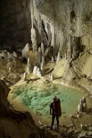 Фотография части пещеры Лечугия. (кликните картинку для увеличения)