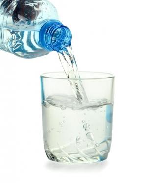 Бисфенол С используется в том числе и при производстве пластиковой тары для воды. (кликните картинку для увеличения)
